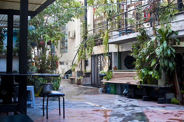 https://scoopart.com/resources/img/958460liceo-patio.jpg
